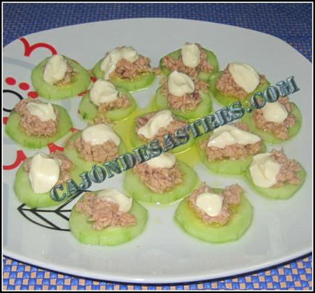 Ensalada de pepino y atun con mayonesa
