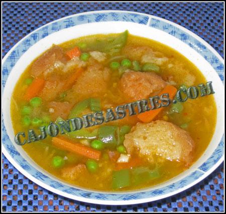 Sopa de ajo con verduras