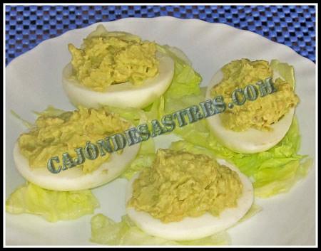 Receta de huevo relleno con aguacate cocina facil